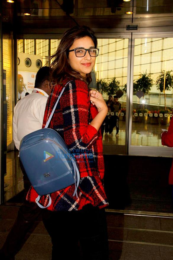 परिणीति चोपड़ा, शिल्पा शेट्टी और अन्य हवाई अड्डे पर आईं नजर