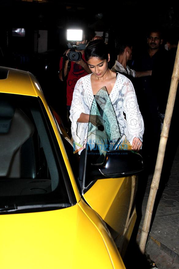 इलियाना डी क्रूज़ मुंबई में आईं नजर