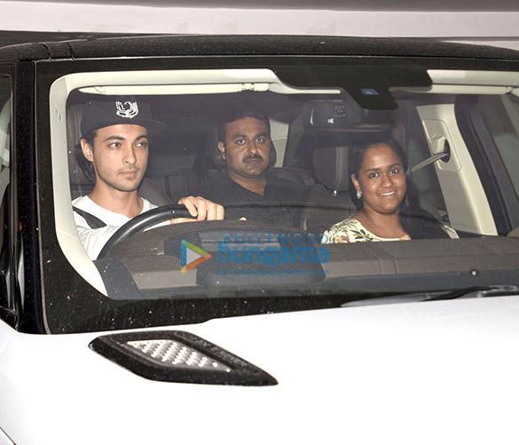 कैटरीना कैफ, आयुष शर्मा और अर्पिता खान मनीष मल्होत्रा के घर पर आईं नजर