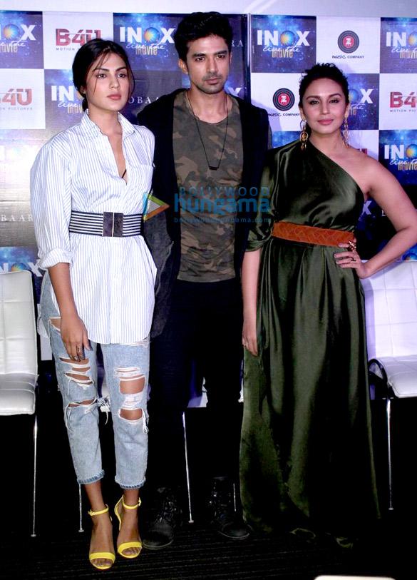 हुमा कुरैशी, साकिब सलीम और रिया चक्रवर्ती फिल्म दोबारा के एक गाने को लॉंच करते हुए