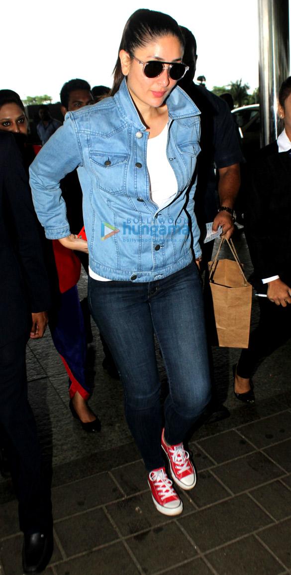 करीना कपूर खान हवाई अड्डे पर आईं नजर
