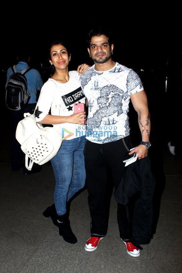 रणवीर सिंह, विराट कोहली, अनुष्का शर्मा और अन्य एयरपोर्ट पर आए नजर