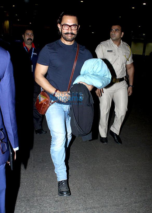आमिर खान, ॠतिक रोशन और अन्य हवाईअड्डे पर आए नजर