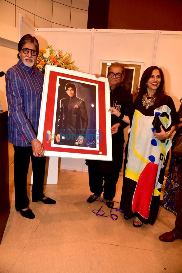 अमिताभ बच्चन ने दिलीप डी के आर्ट ईवेंट की शोभा बढ़ाई