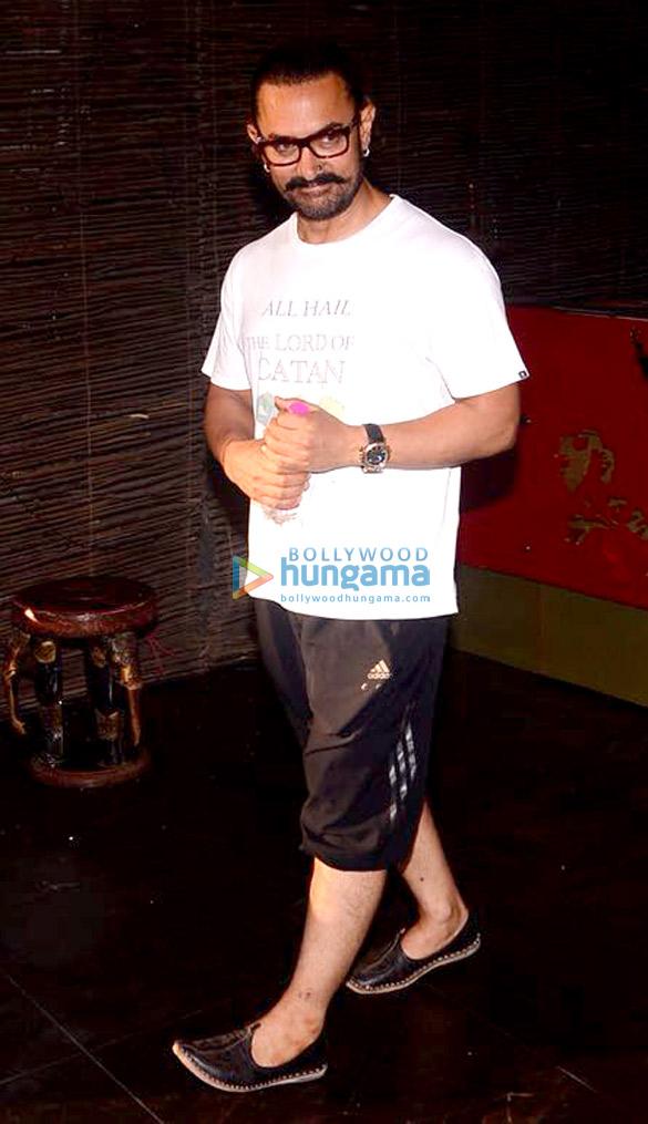आमिर खान बांद्रा में स्पा में आए नजर