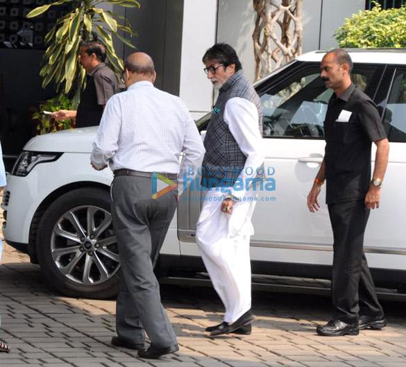 अमिताभ बच्चन और श्वेता बच्चन नंदा एयरपोर्ट पर आईं नजर