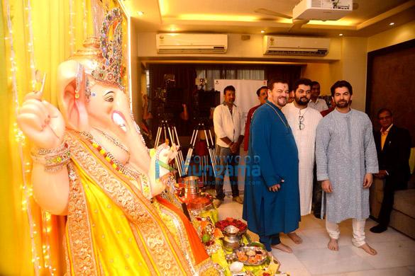 नील नितिन मुकेश और उनके परिवार ने मनाई गणेश चतुर्थी