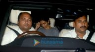 शाहरुख खान, दीपिका पादुकोण और अन्य बांद्रा में रणबीर कपूर की हाउस वॉर्मिंग पार्टी में शामिल हुए