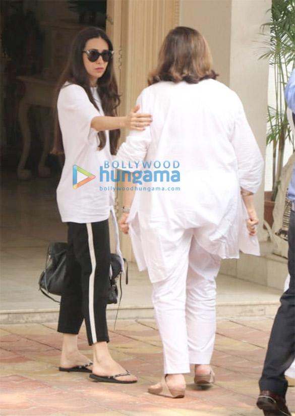 करिश्मा कपूर और अनिल कपूर की पत्नी सुनीता कपूर चैंबुर में कपूर हाउस में आईं नजर
