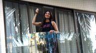 Photos: जनता कर्फ़्यू के दौरान ताली बजाते हुए बॉलीवुड सितारें