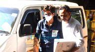 Photos: भारती सिंह और उनके पति हर्ष एनसीबी के दफ़्तर पहुंचे