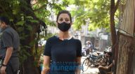 Photos: सोनाली बेंद्रे जुहू के सैलॉन में नजर आईं