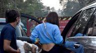 Photos: सोफी चौधरी जुहू में नजर आईं