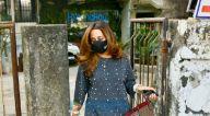 Photos: अमीषा पटेल और नताशा दलाल जुहू के क्रोमोके सैलॉन में नजर आईं