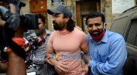 Photos: एजाज खान अदालत जाते हुए नजर आए