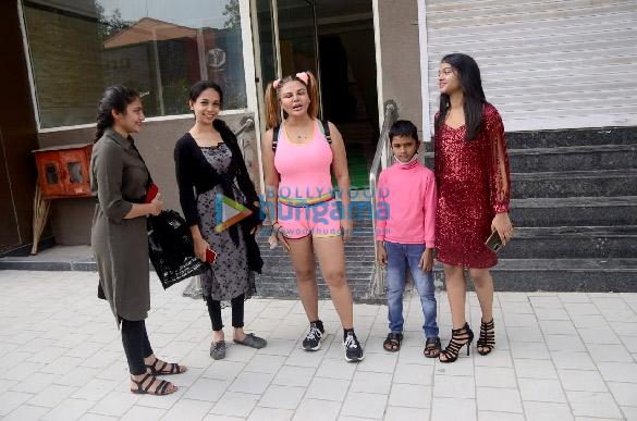 photos: राखी सावंत जिम में नजर आईं