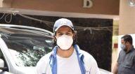 Photos: वरुण धवन जुहू स्थित जिम में नजर आए
